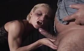 Sesso italiano con milf abusate in orgia porno con doppia penetrazione