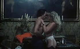 Scene porno classico con milf calde e maggiorate in azione