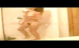 Marzia fidanzata di Ragusa nuda in doccia
