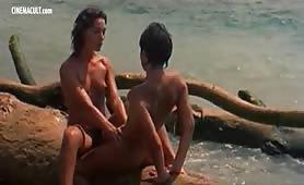 Scena tratta dal film porno Holocaust con Annj Goren e Dirce Funari