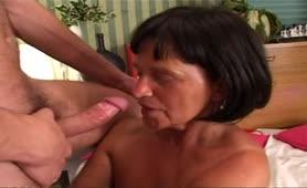 Nonna che voglia il video porno completo in italiano
