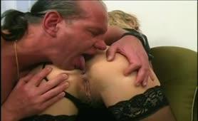 Alessandra Schiavo - Milfona tettona in lingerie si fa inculare
