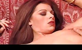 Fabiana Venturi scopata sul divano