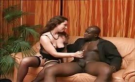 Federica Zarri in scena di sesso interrazziale con cazzone nero