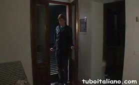 Giuly Di Maggio, sexy brasiliana maggiorata beccata dal cornuto mentre si scopa un giovanotto