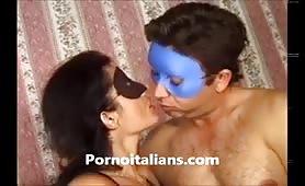 Veronica, moglie porca da Rapallo gode in filmino porno amatoriale