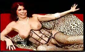 Milly D`Abbraccio, milf tettona si sditalina in lingerie sexy