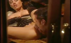Anita Dark, gran porcona ungherese scopata sul treno in porno classico