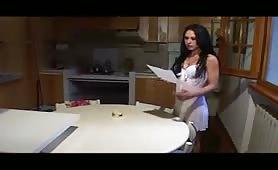 Letizia Bruni, calda pornostar tettona da Novi Ligure scopata in scena dal film Vergogna