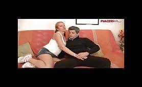 Jessica Arienti - figlia scpata dal padre sul divano