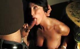 Angela Gritti, la sexy veneta maggiorata gode in porno incesto