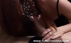 Gloria, fidanzata da Seregno gode in provino porno amatoriale