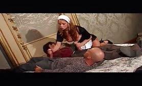 Julia Taylor  - Domestica zoccola in orgia con anale